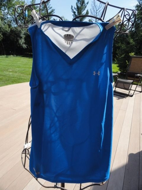 Girl's UNDER ARMOUR METAL Deep Blue Athletic Tennis Top Large NWOT V Neck