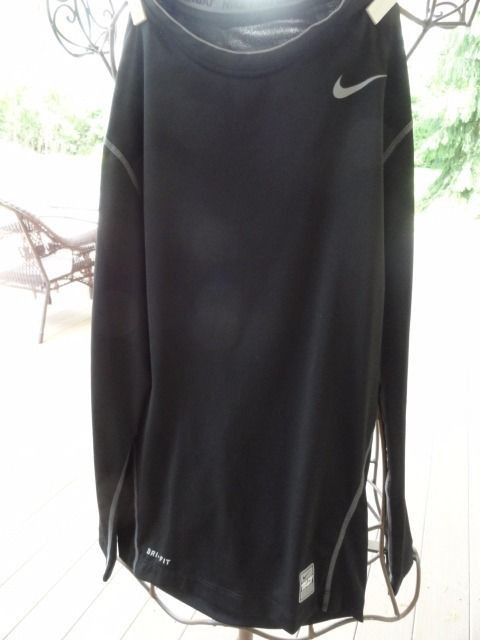 Women NIKE Pro Combat DRI-FIT Long Sleeve Black Compression Shirt NWOT