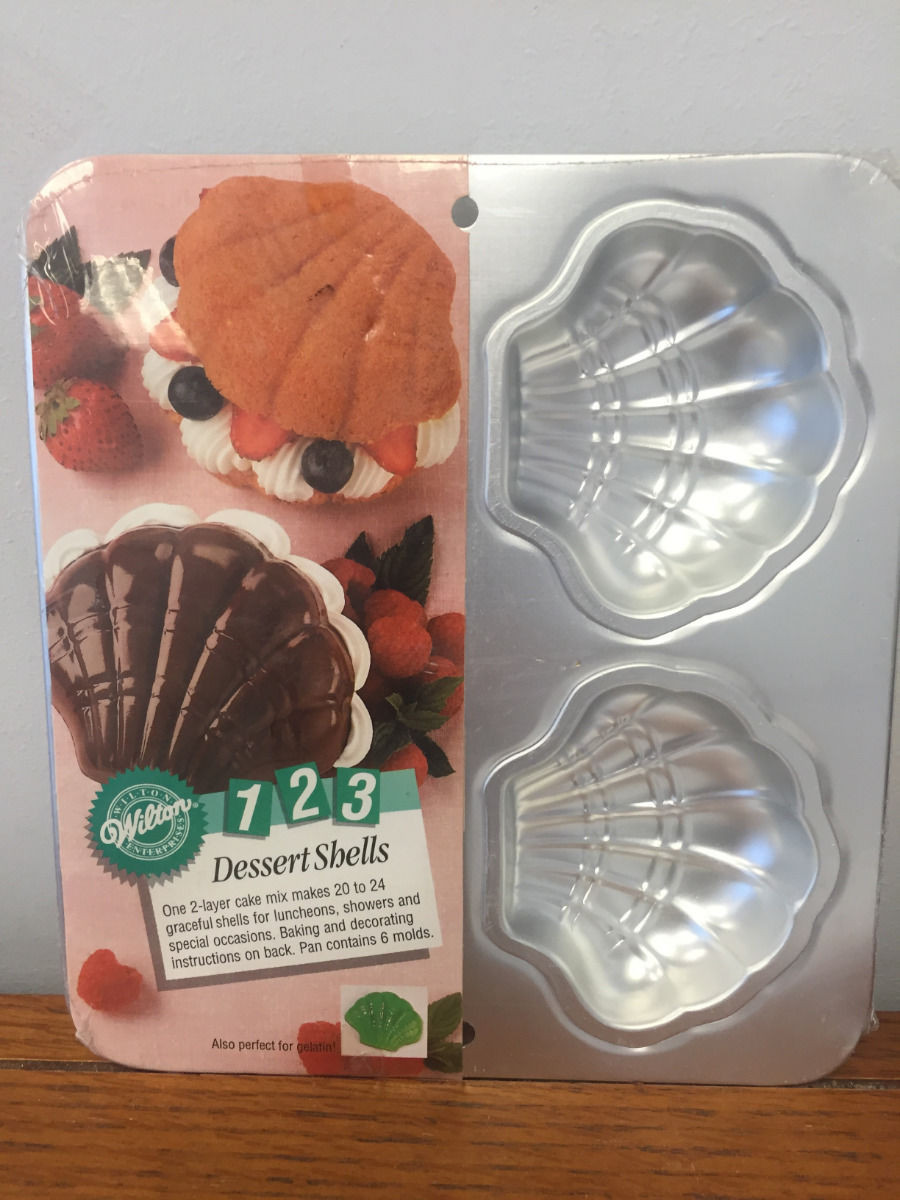 1993 Wilton 1 2 3 Dessert Shells Cake Pan #2105-9440 Mini Seafood Sealed