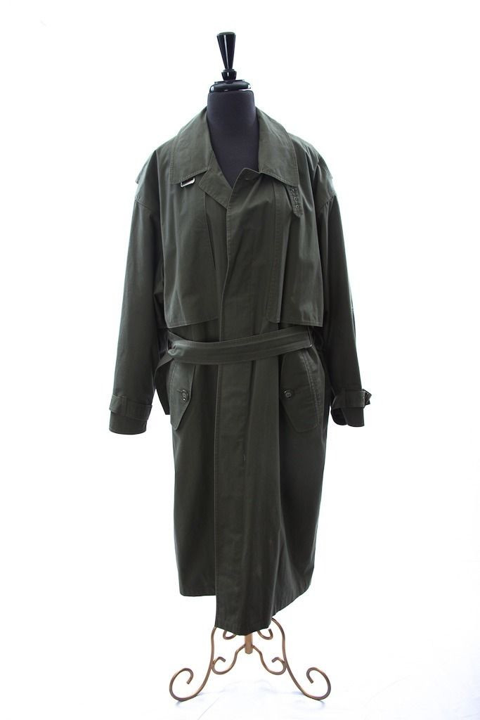Men's LONDON FOG Fully Lined Trench Rain Coat With Belt Size 40 Short Pre-Owned