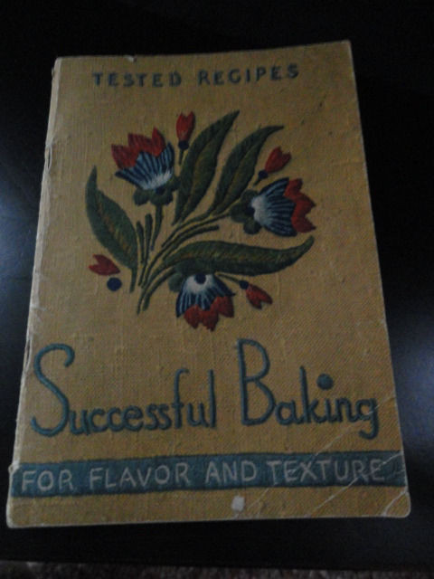 Vtg Cookbook Pamphlet Successful Baking Cow Brand Arm & Hammer 5th Edition 1936